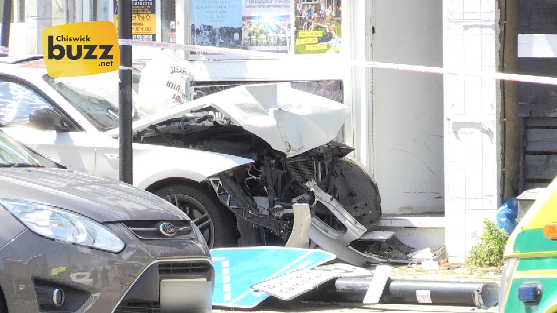 CU crashed car 02