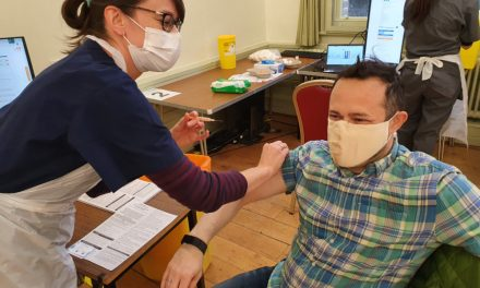 Councillor Gary Malcolm gets COVID vaccine and urges everyone to get theirs